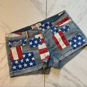 LEI Boho Flag-4th/of/July Distressed Jean Short-15